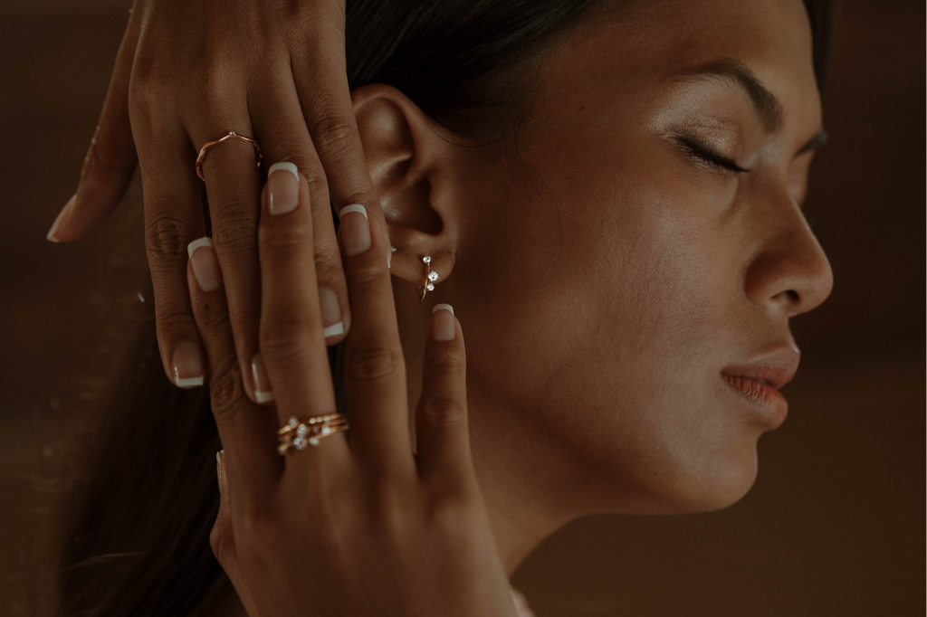Sceona is an ethical jewellery brand that uses lab grown diamonds